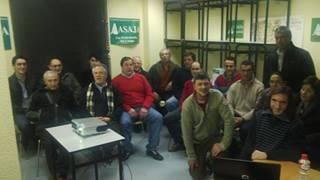 Público de la charla de Alternativas Agroforestales ESLA en la sede de ASAJA en Rioseco