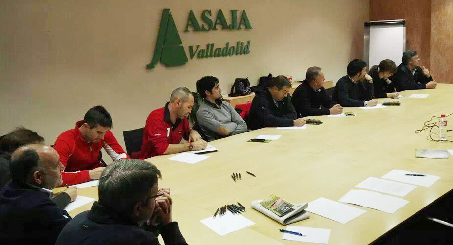 Público de la charla de Alternativas Agroforestales ESLA en la sede de ASAJA en Valladolid